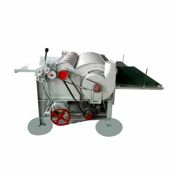 Single roller carding machine